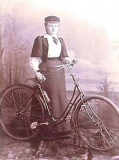 victorian-fashion-1890ladybike