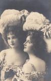 victorian-fashion-1900-2ladies